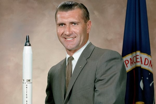 Addio a Gordon di Apollo 12